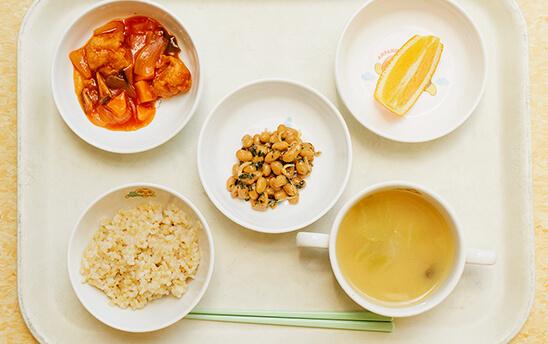 給食は栄養のフルコース